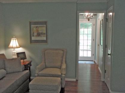 Sitting Area & Hallway